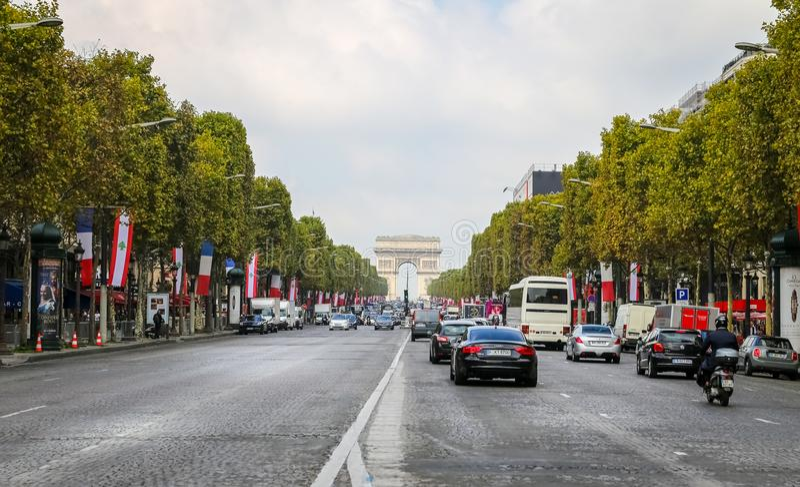 Alleen-DES Champs-Elysees in Paris, Frankreich stockfotografie
