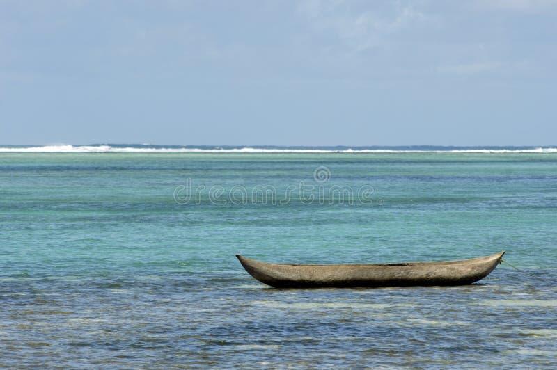 Alleen dugout kano royalty-vrije stock afbeelding