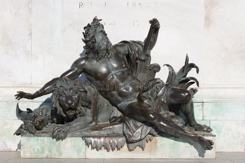 Allegorisch standbeeld van de rivier van de Rhône stock foto's
