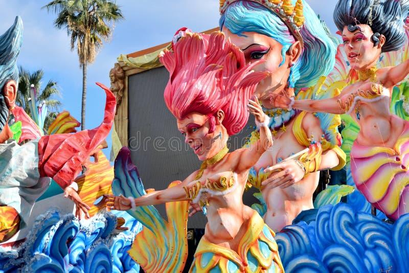 Allegorische vlotter die een sirene afschilderen stock afbeelding