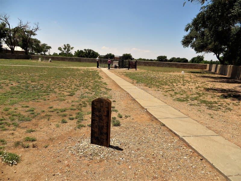 Alleine Finanzanzeige, Fort Sumner, New Mexiko stockbilder