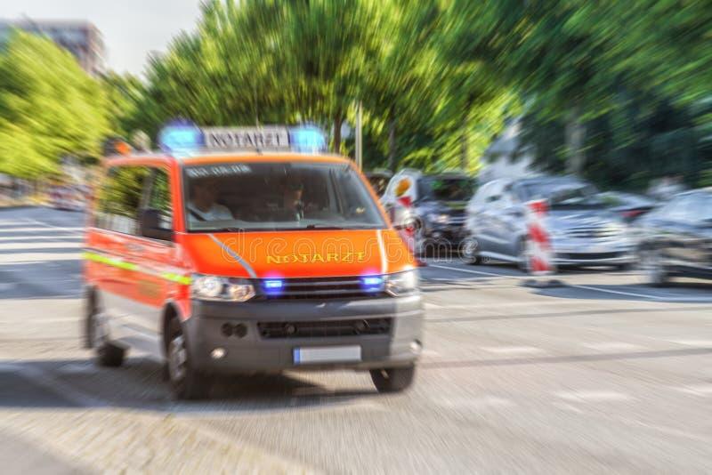 Allemand Notarzt, voiture de docteur de secours de corps de sapeurs-pompiers image stock