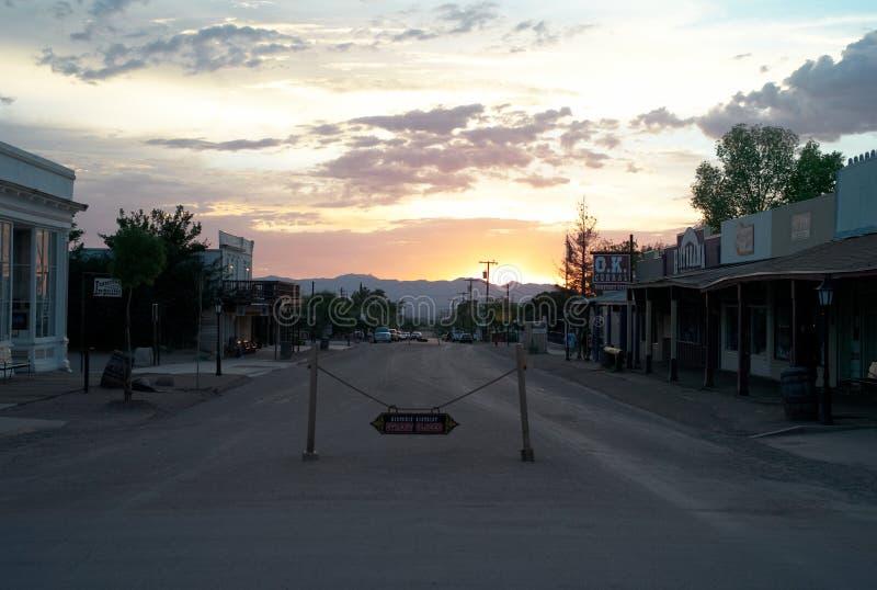 Allen Street en pierre tombale au coucher du soleil photos libres de droits