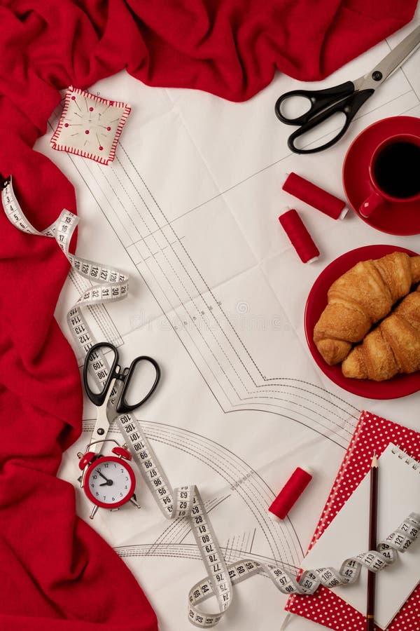 Allen voor het naaien - stof, patronen en naaiende toebehoren Fashio stock foto