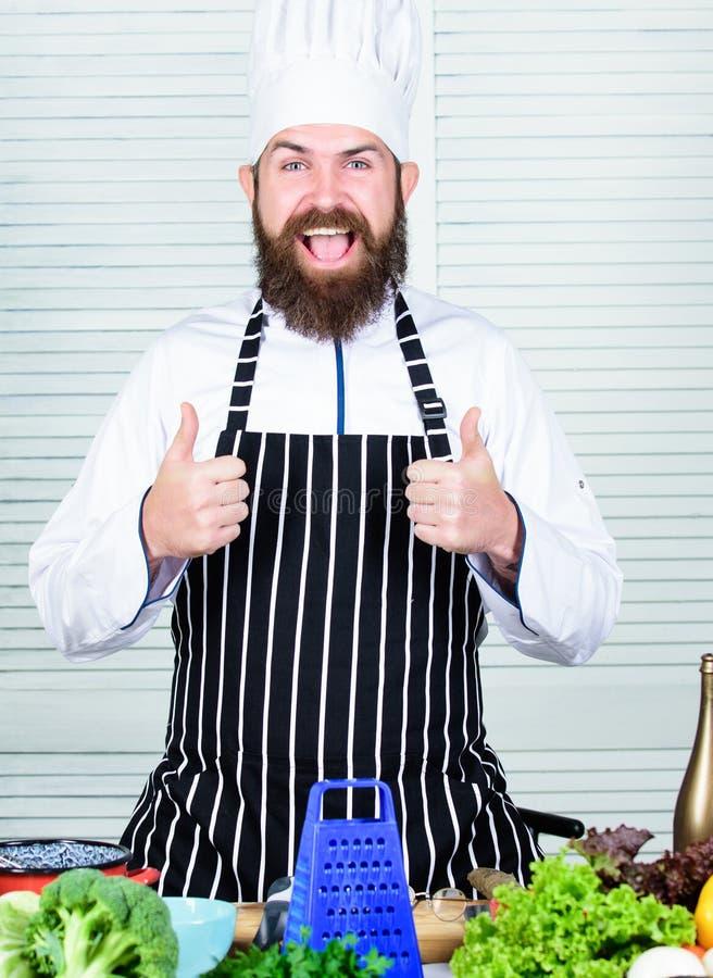 Allen wensen wij gezonde kok Rasp van het chef-kok de gaande gebruik voor het koken van schotel Groenten hoofdingrediënt Groenten royalty-vrije stock afbeelding