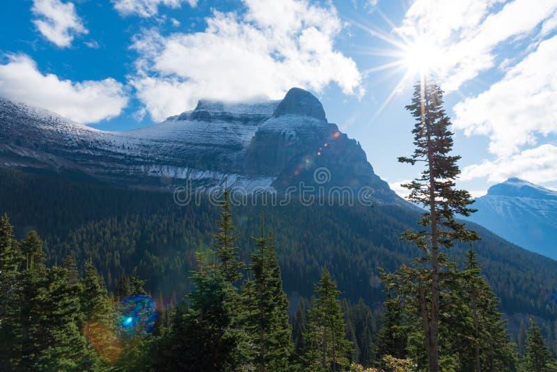 Aller à la montagne de Sun images libres de droits