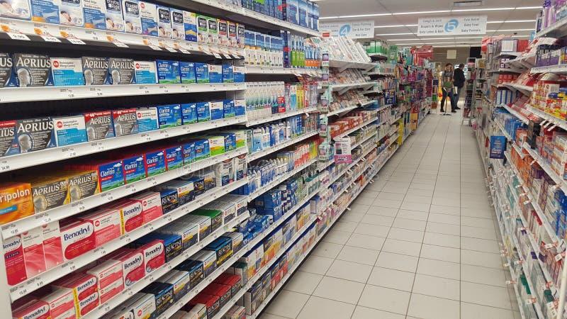 allergieën Geneesmiddelen in de apotheek stock afbeeldingen