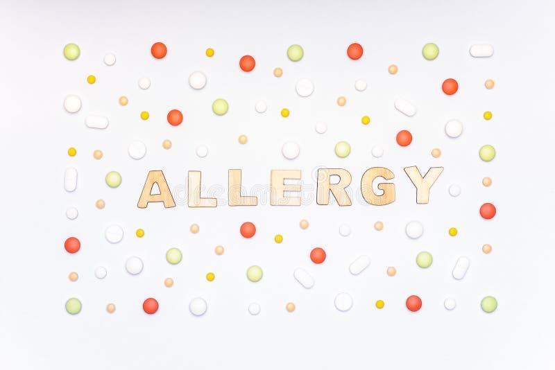 allergie Allergenen, antihistaminicumpillen, seizoengebonden allergieën De minimale vlakte lag stock foto