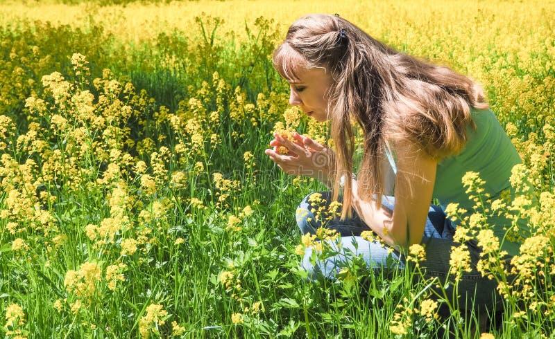 Allergische reacties om bloemen, stuifmeel op te springen stock foto
