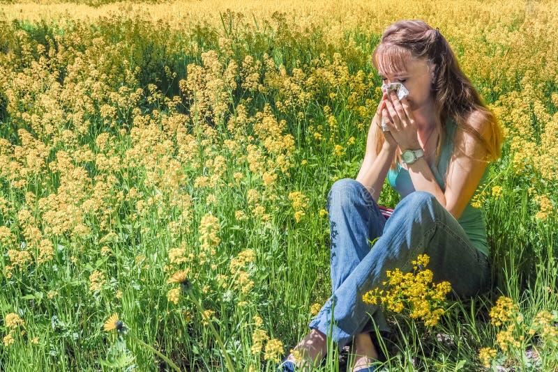 Allergische reacties om bloemen, stuifmeel op te springen stock afbeeldingen