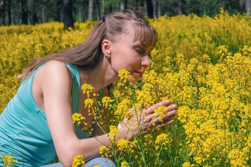 Allergische reacties om bloemen, stuifmeel op te springen stock afbeelding