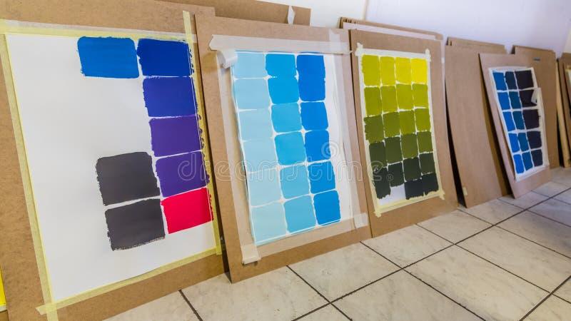 Allerlei Farbdiagramme stockfotos
