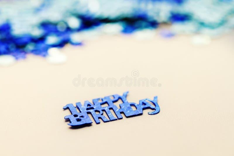 Alles Gute zum Geburtstag Confetti lizenzfreies stockbild