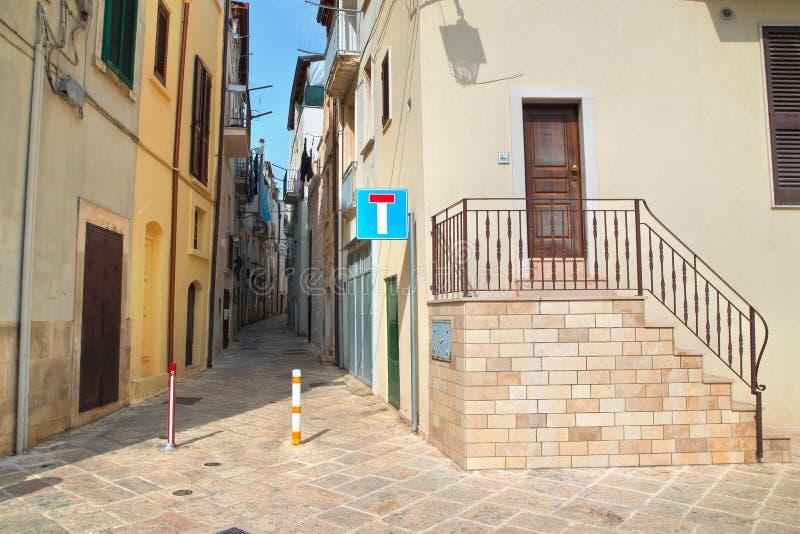 alleyway Conversano Puglia Italy foto de stock