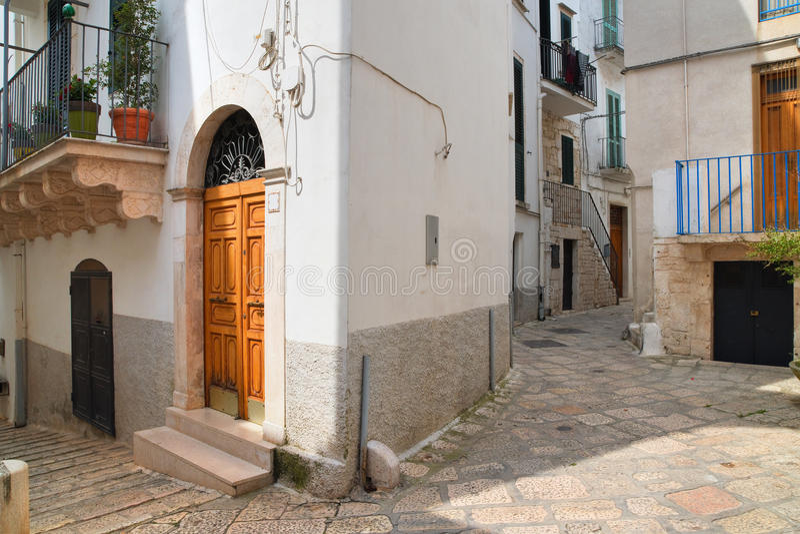 alleyway Conversano Puglia Italy imagens de stock
