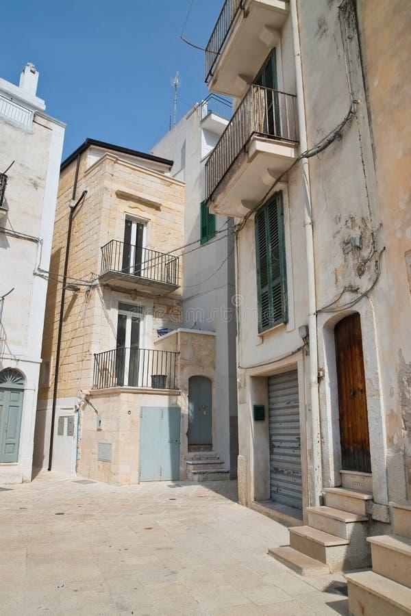 alleyway Conversano Puglia Italy foto de stock royalty free