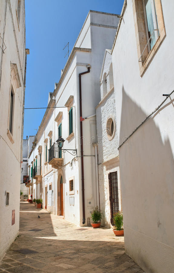 alleyway Locorotondo Puglia Italy imagem de stock