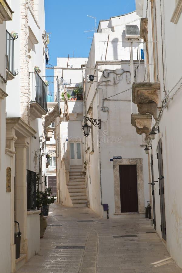 alleyway Locorotondo Puglia Italy imagens de stock royalty free