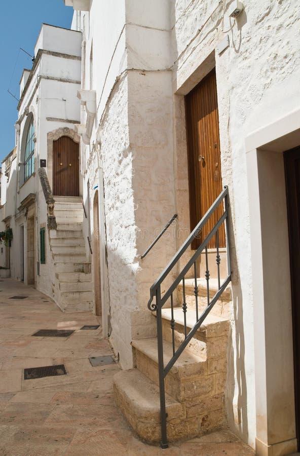 alleyway Locorotondo Puglia Italy fotos de stock royalty free