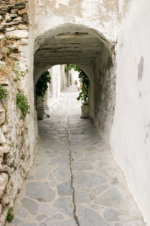 Alleyway na Greckiej wyspie zdjęcia stock
