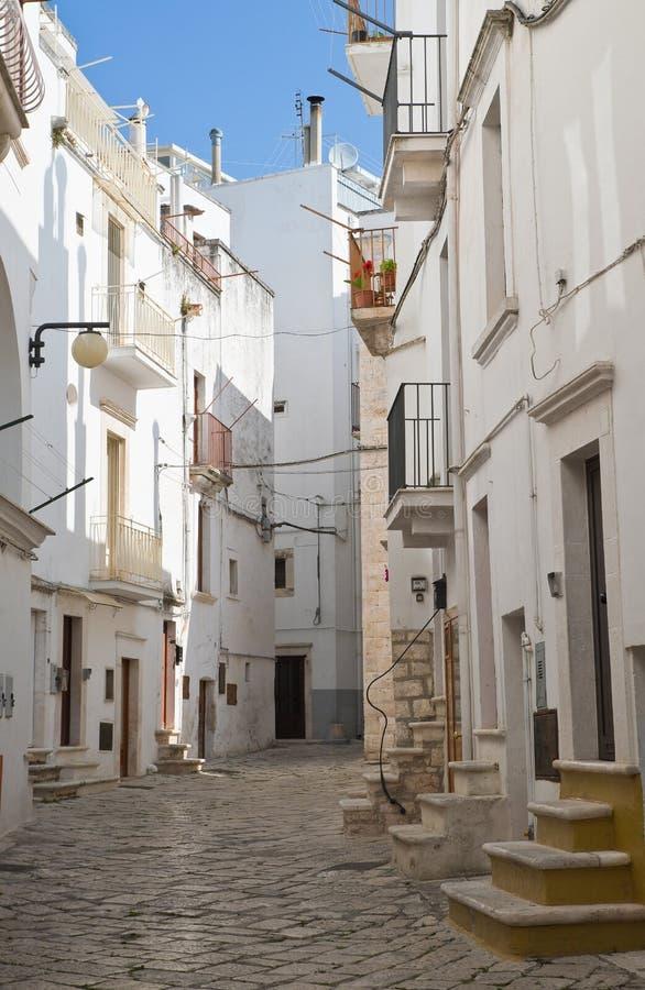 alleyway Putignano Puglia Italy foto de stock