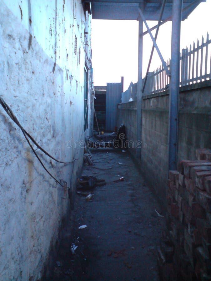 Alleyway in Street szene, Aberdeen, Schottland, Vereinigtes Königreich lizenzfreie stockfotos