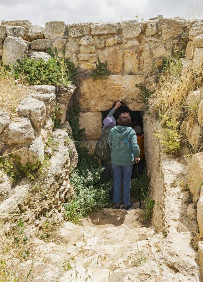 Allgemeine Höhle an der alten Stadt von Susya im Westjordanland stockfoto