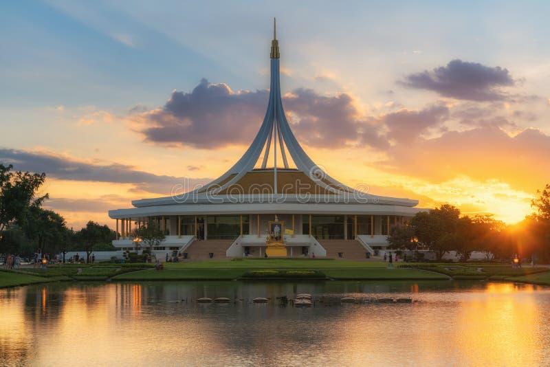 Allgemeiner Park Rama9 in der Sonnenuntergangansicht stockbilder