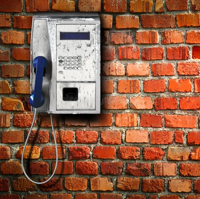 Allgemeines Telefon auf Wandhintergrund lizenzfreie stockfotos