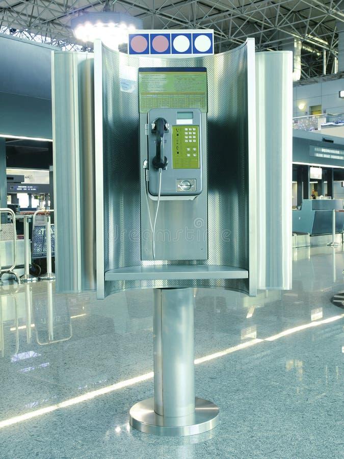 Allgemeines Telefon im Flughafen lizenzfreie stockfotos