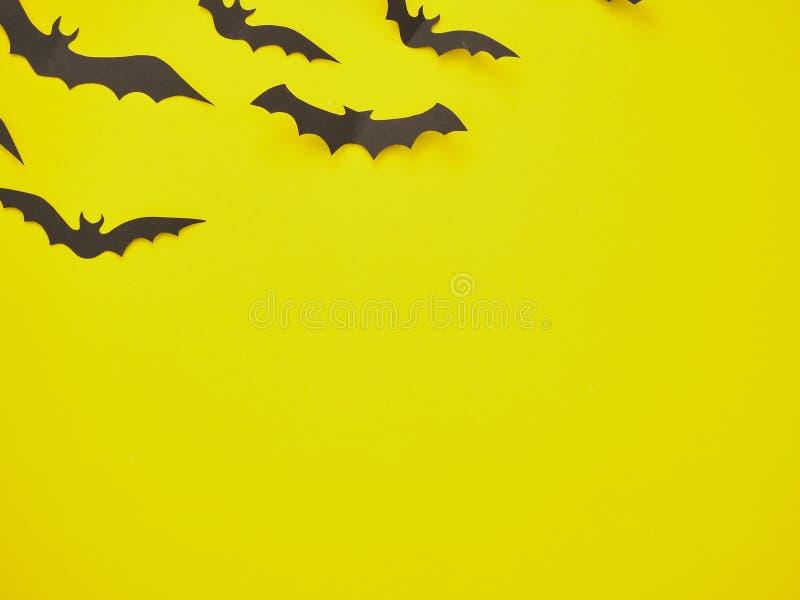 Allhelgonaaftongarneringar, slagträn på en gul bakgrund vektor illustrationer