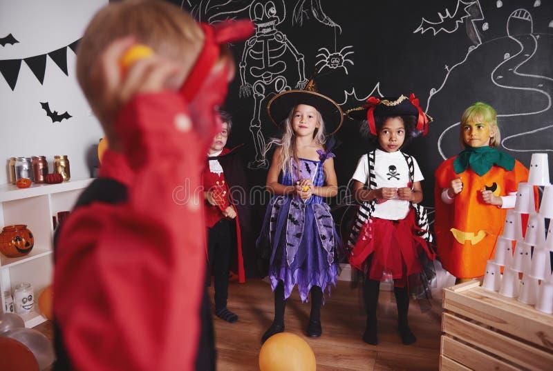 Allhelgonaaftonparti för ungar royaltyfri bild