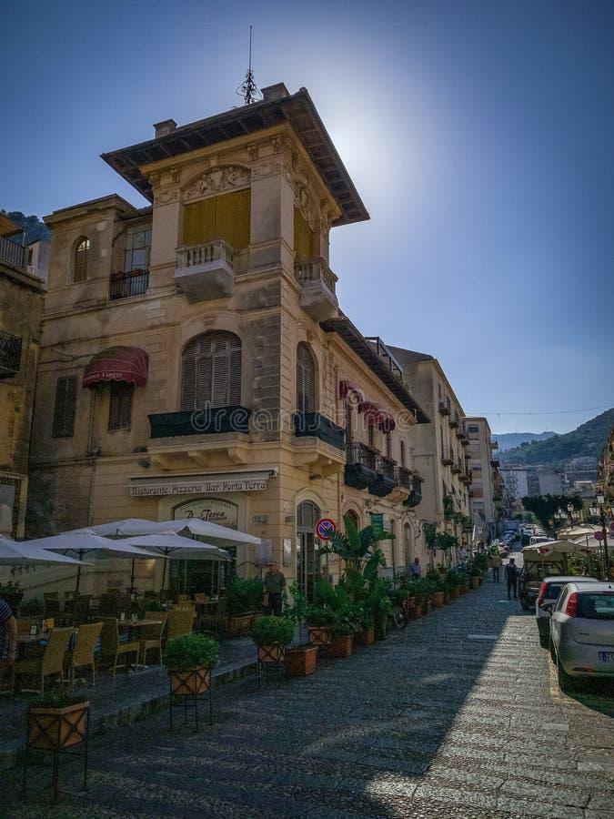 Allié tranquille dans Cefalu Italie photographie stock
