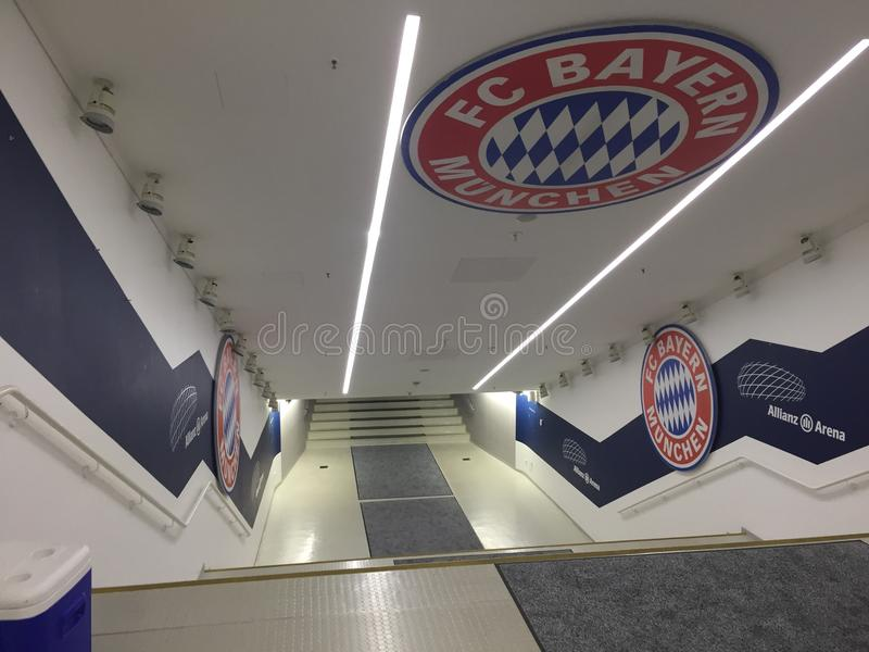 Allianzarena & x28; voetbal stadium& x29; royalty-vrije stock afbeelding