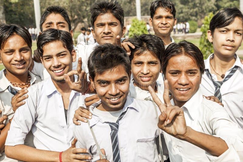 Allievi indiani sull'uscita della classe A fotografia stock