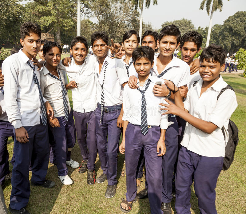 Allievi indiani sull'uscita della classe A a Delhi immagine stock