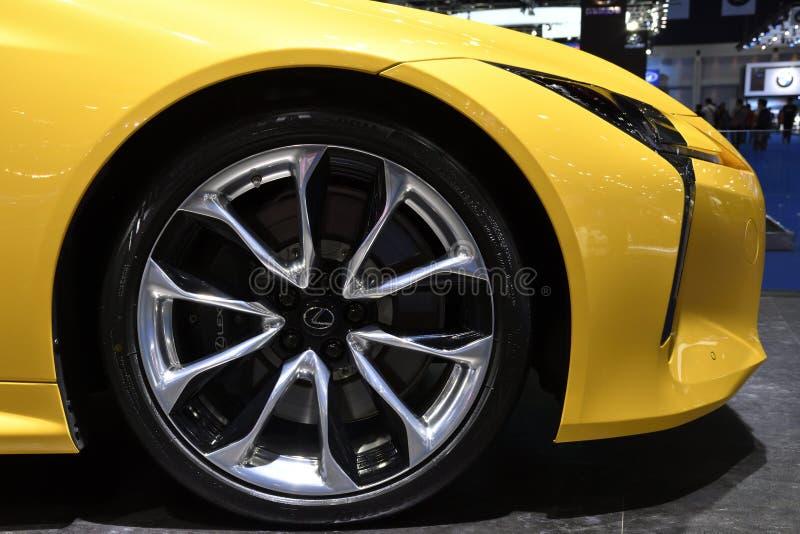 Alliez la roue, coupé de luxe parmi les meilleurs du monde de Lexus LC 500 au trente-neuvième MOTEUR INTERNATIONAL S de BANGKOK images libres de droits