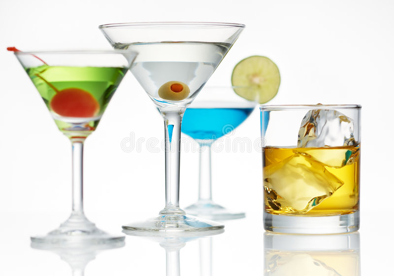 Allineamento dell'alcool fotografie stock