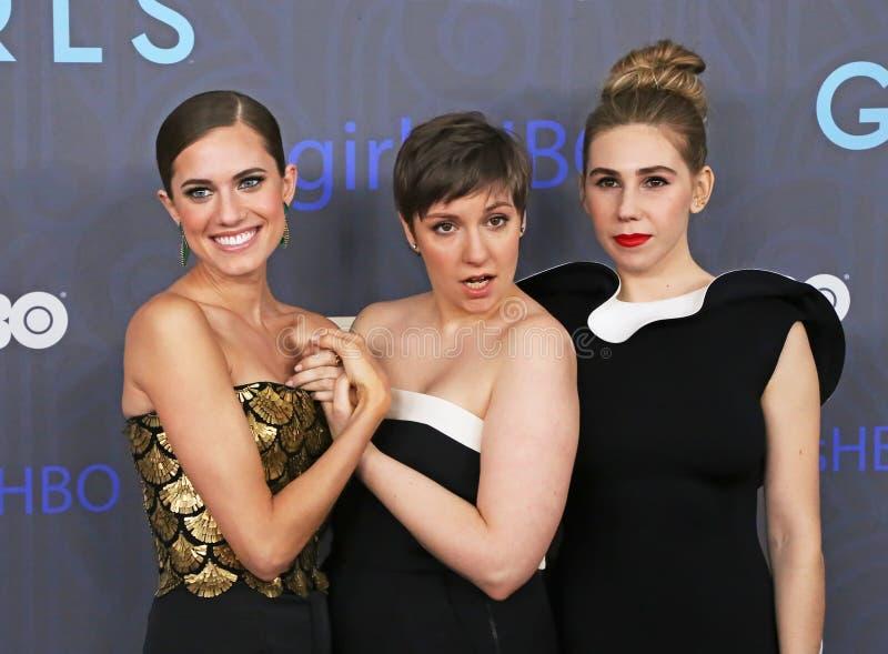 Allison Williams, Lena Dunham, e Zosie Mamet imagem de stock royalty free