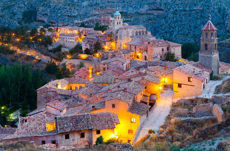 Allmän sikt av Albarracin i afton fotografering för bildbyråer