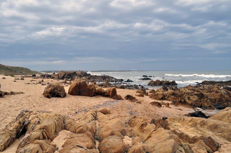 Allmän sikt av den LaPedrera kusten i Rocha, Uruguay arkivfoto