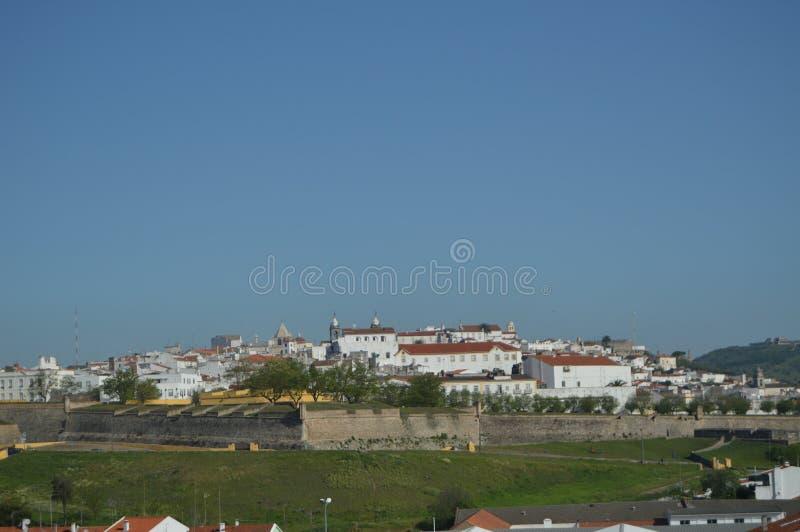 Allmänna sikter av den Walled staden i Elvas royaltyfria bilder