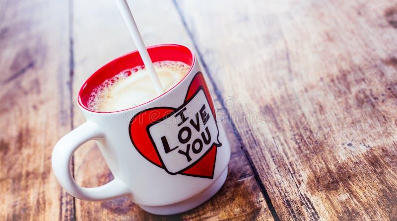 Alloa, Escócia - 17 de julho de 2019: Coffe da manhã - eu te amo imagem de stock royalty free