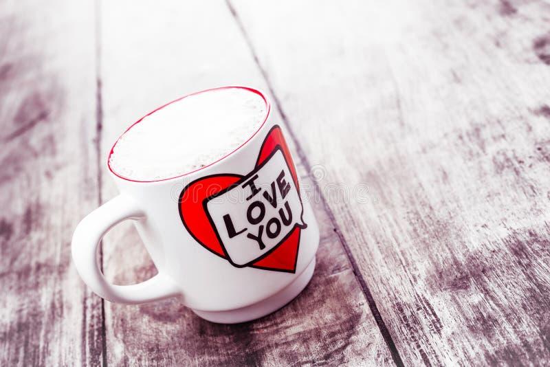 Alloa, Escócia - 17 de julho de 2019: começo de um grande dia com café saboroso imagem de stock royalty free