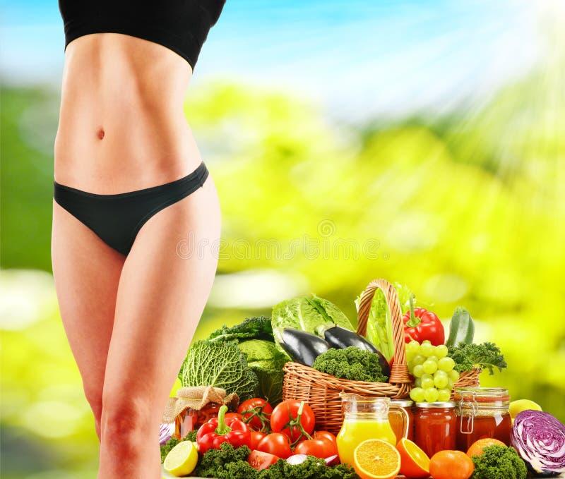 Allsidig kost som baseras på rå organiska grönsaker royaltyfria foton