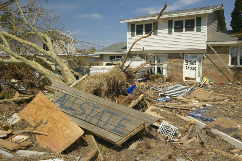 Allstateteken en puin voor huis dat zwaar door Orkaan Ivan in Pensacola Florida wordt geraakt stock fotografie