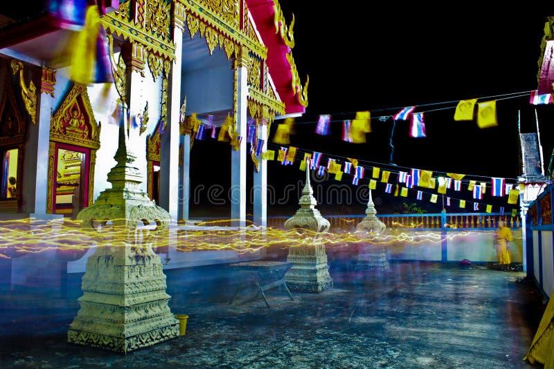 Allumage de la terre arrière noire à la ville de la Thaïlande photo libre de droits
