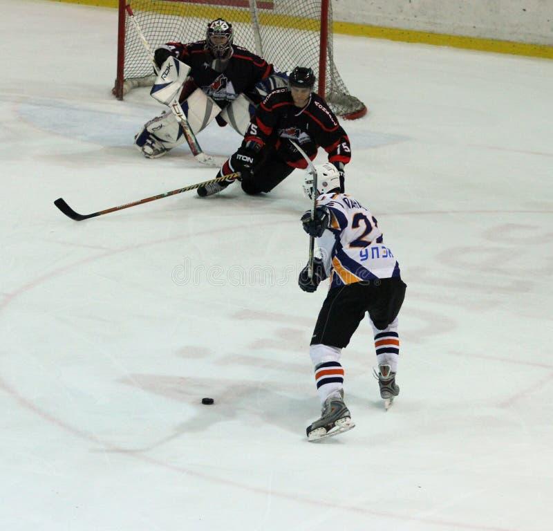 Allumette de hockey sur glace de Kharkov- Donbass image libre de droits