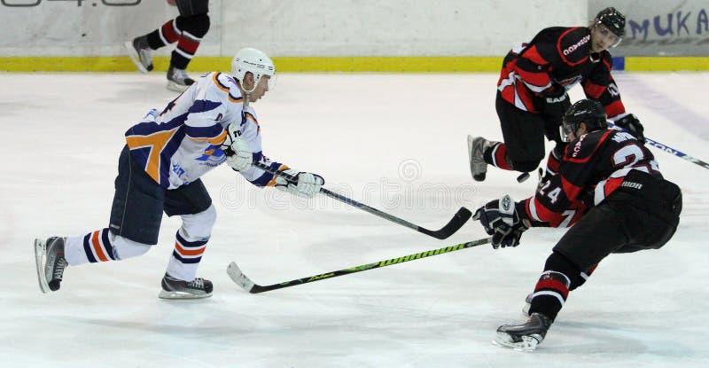Allumette de hockey sur glace de Kharkov- Donbass photo stock