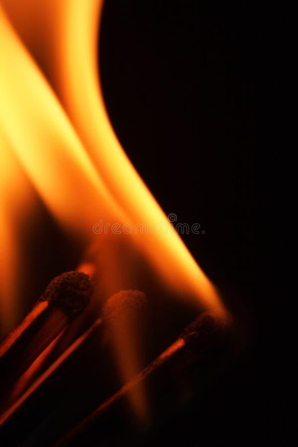 Allumettes brûlantes photographie stock libre de droits